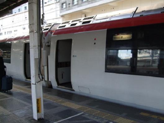 横浜JRNEX2.JPG